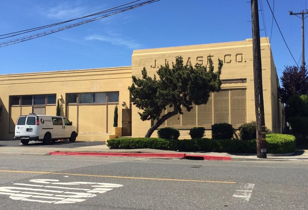 1933 Peralta Street Oakland, CA 94607