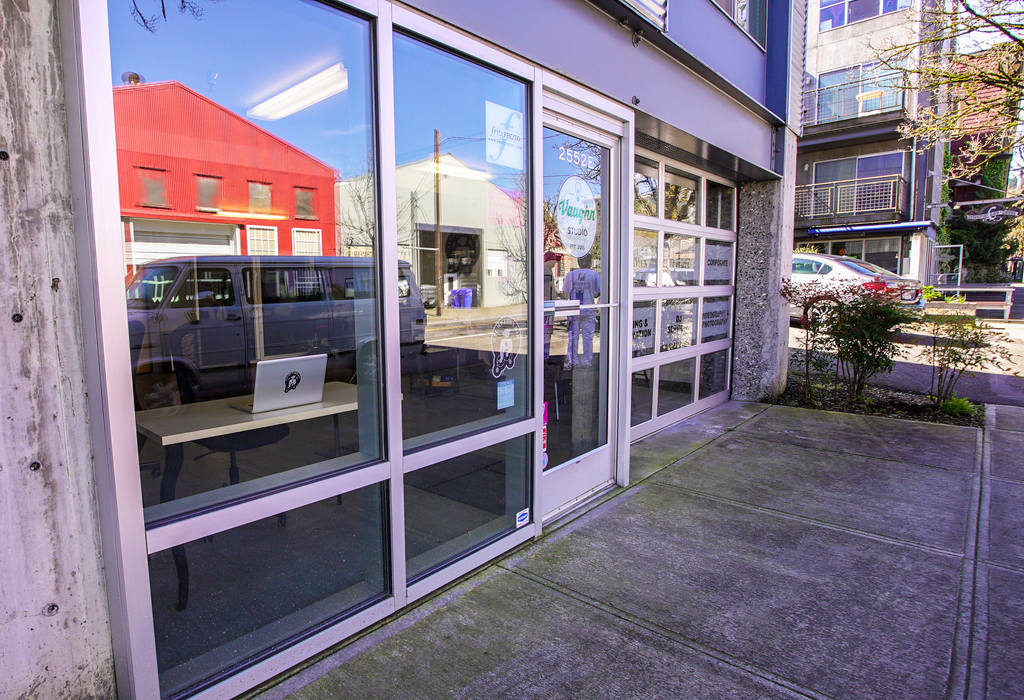 2552 NW Vaughn St, Suite e Portland, OR 97210