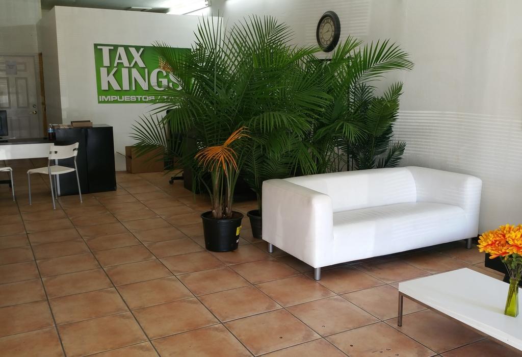 1751 SW 8 St, 1st Fl Miami, FL 33135