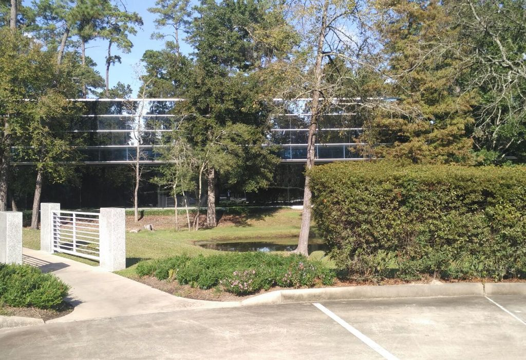 2700 Research Forest Drive Spring, TX 77381