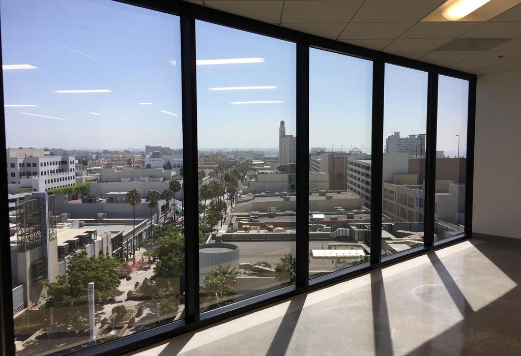 233 Wilshire Blvd., Suite 720 Santa Monica, CA 90401