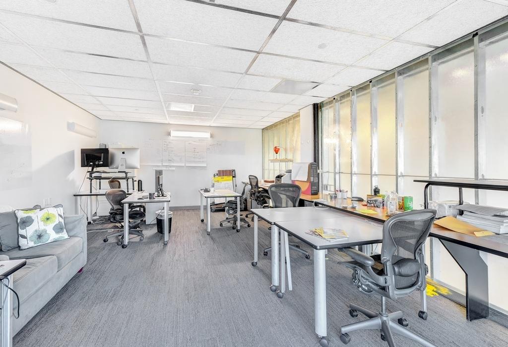 1100 Glendon Avenue, 17th Floor Los Angeles, CA 90024