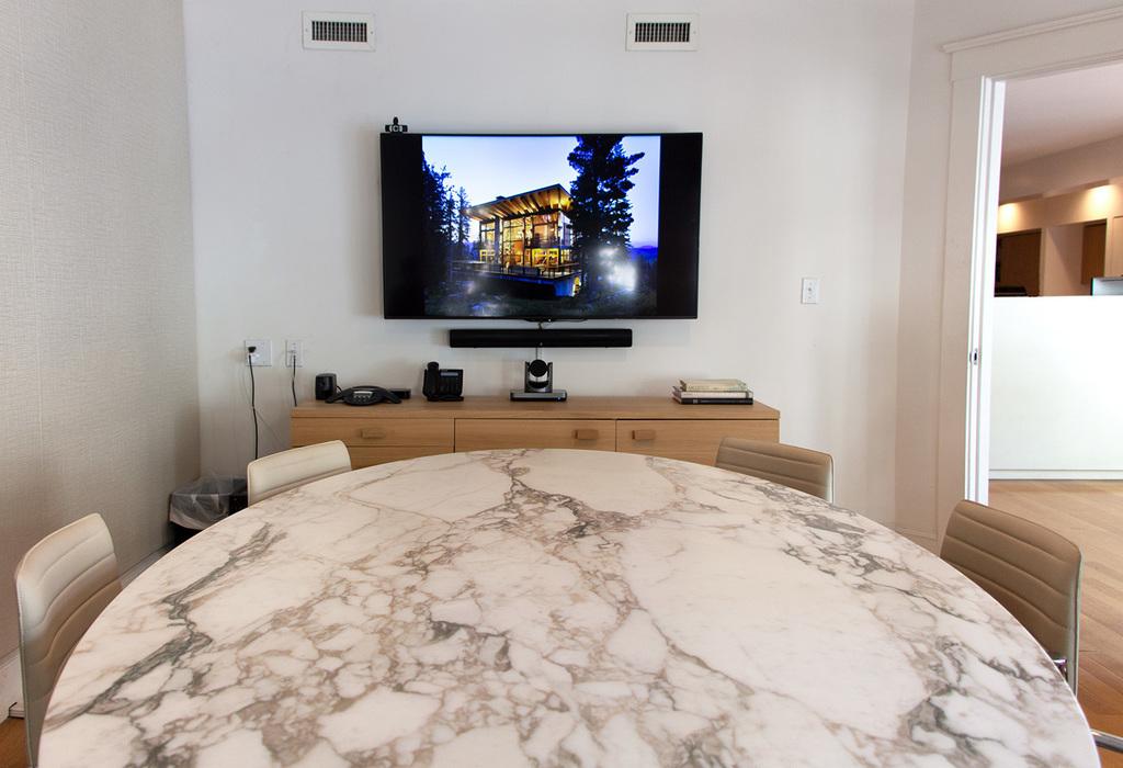 1527 Stockton Street, 2nd Floor San Francisco, CA 94133