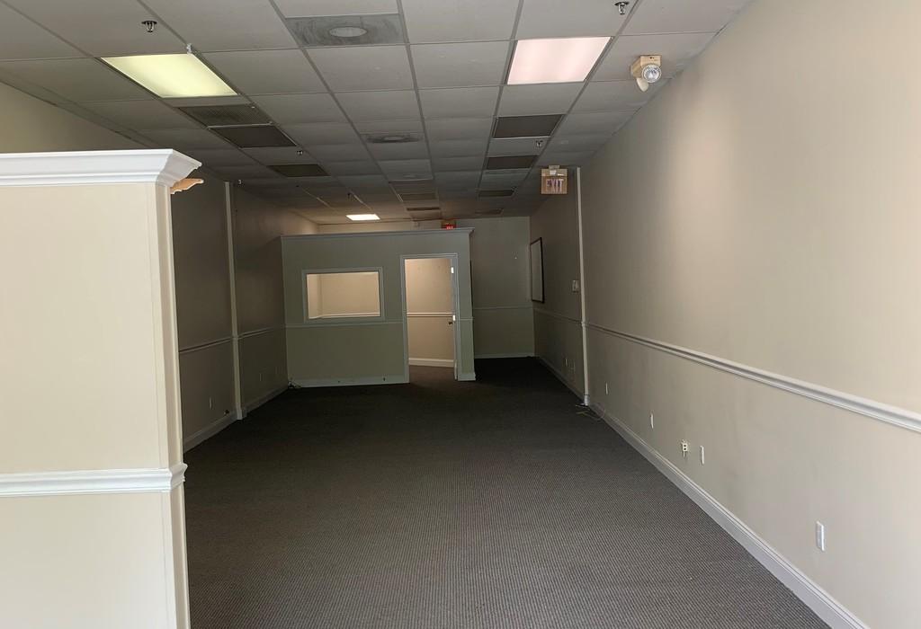 2595 N Hiatus Rd Hollywood, FL 33026
