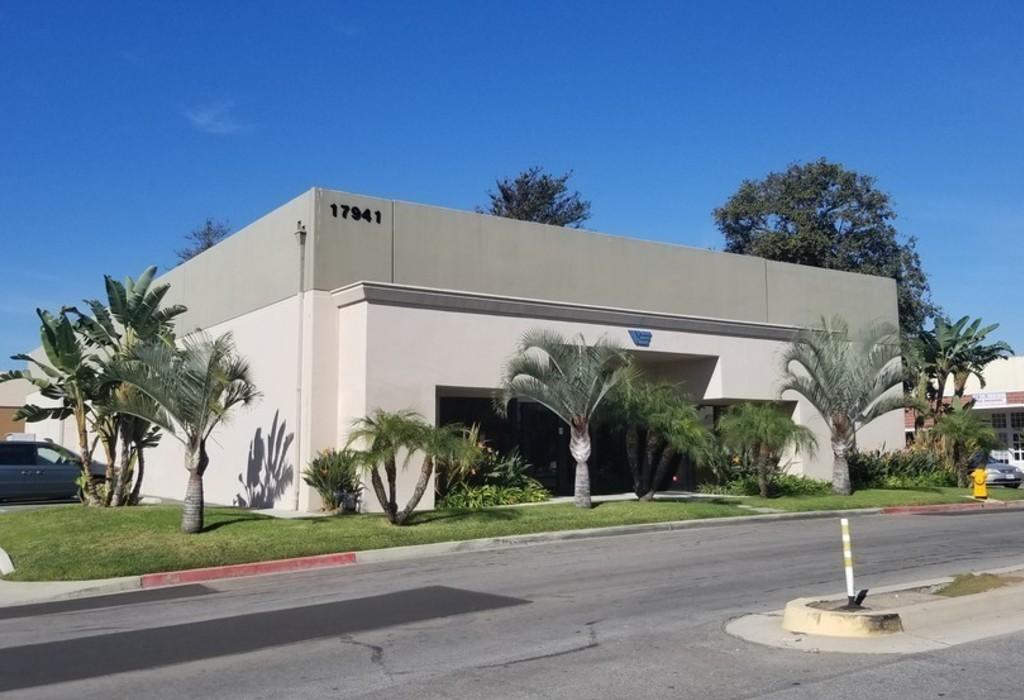 17941 Brookshire Ln Huntington Beach, CA 92647
