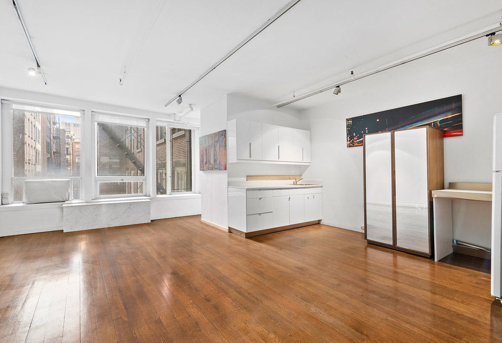 118 spring street, 3rd floor New York City, NY 10012
